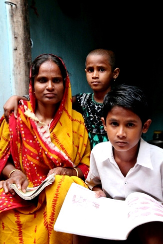 Kuni, 33, is a single mother who spends almost half of her daily wages on rent for a room for her and her children (a 10-year-old daughter and a 12-year-old son). She barely manages to get food on the plate. With land she hopes to build her own small home and grow a kitchen garden, saving what she earns for a better future.